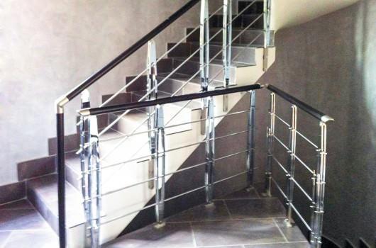 Ringhiera per scale interne installata ad Ancona