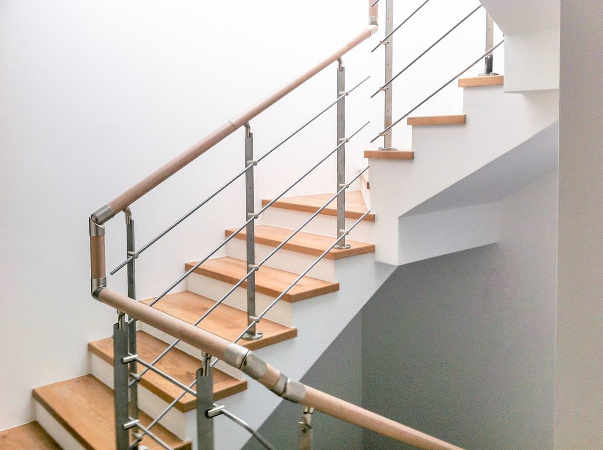 Ringhiera per scale interne installata a bolzano rintal - Ringhiera scale interne ...