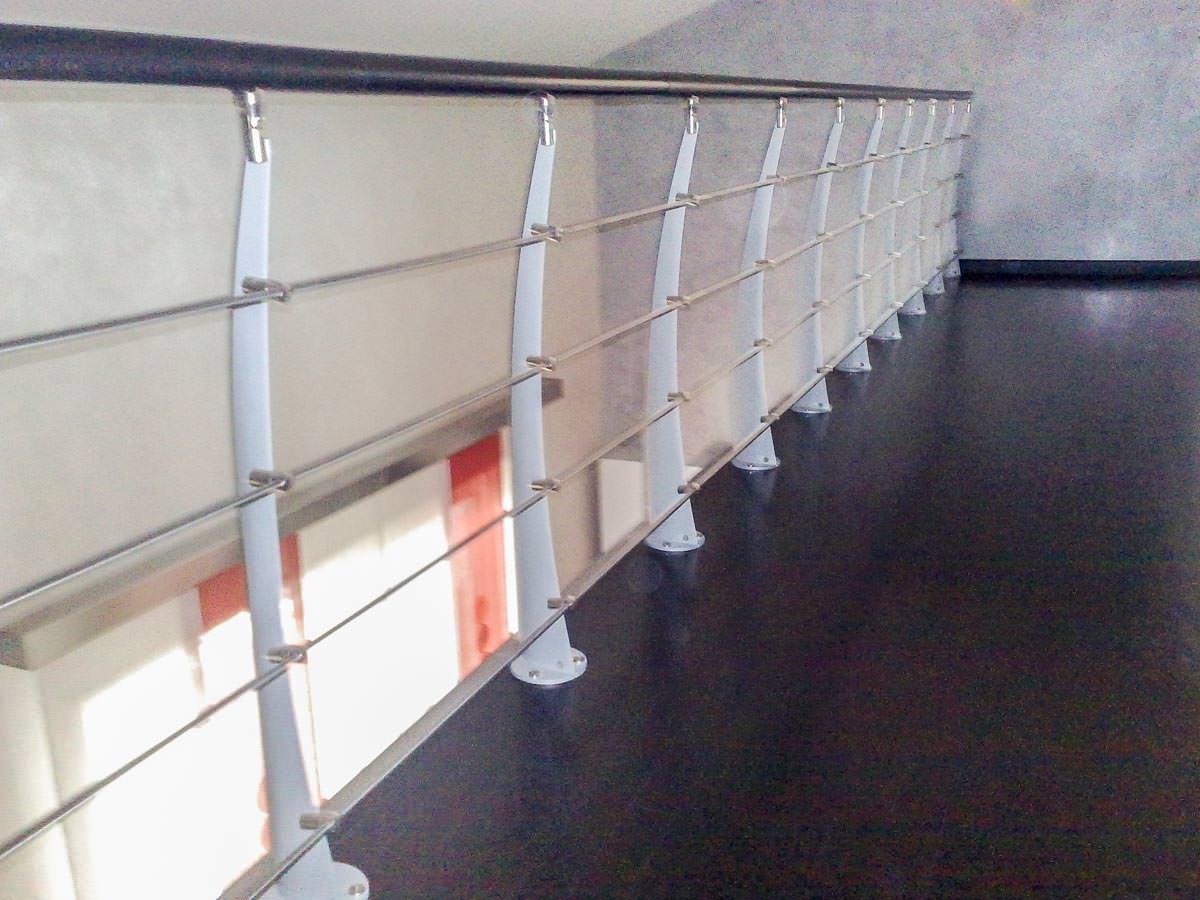 Ringhiera per scale interne installata a cagliari rintal - Copertura scale interne ...