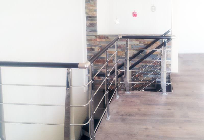 Ringhiera per scale interne installata a Caltanisseta