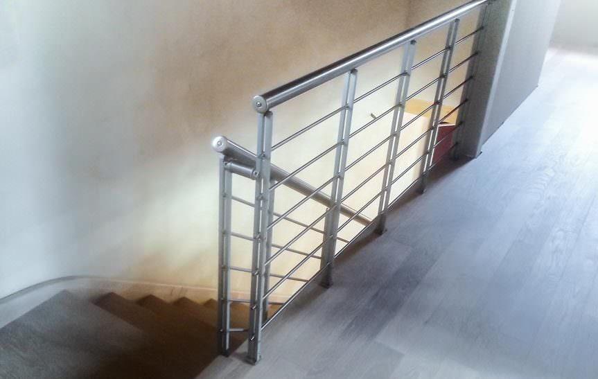 Ringhiera per scale interne installata a campobasso rintal - Ringhiera scale interne ...