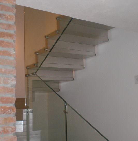 Scala a giorno installata a Brindisi