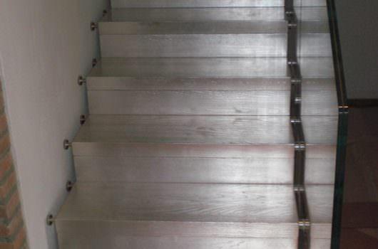 Scala a sbalzo installata a Brindisi