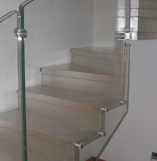 Scala installata a Brindisi