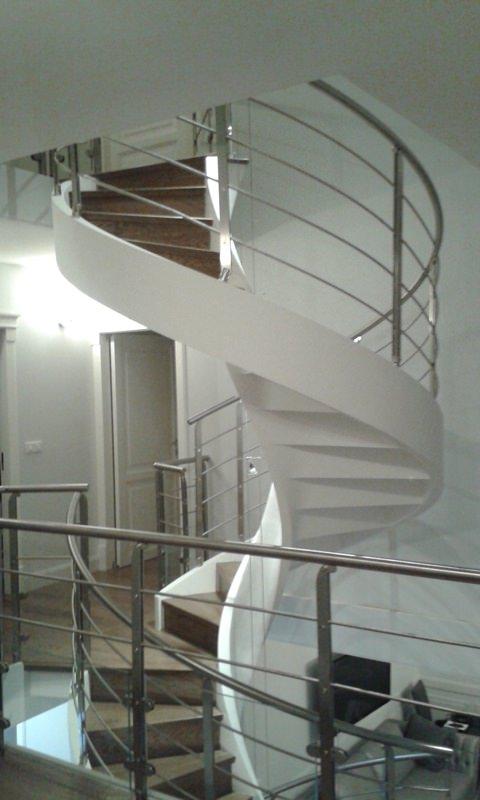 Scala a chiocciola in cemento installata a parigi rintal - Scale a chiocciola in cemento prefabbricate ...