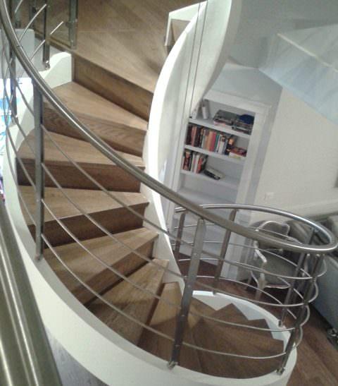 Scala per interni installata a Parigi