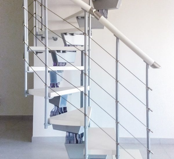 Scala per interni installata a Vibo Valentia