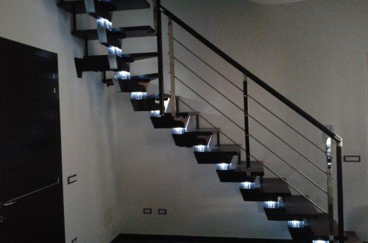 Scala con illuminazione installata a Prato