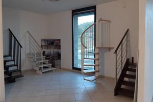 Panoramica delle scale in esposizione nello show room Rintal di Terni