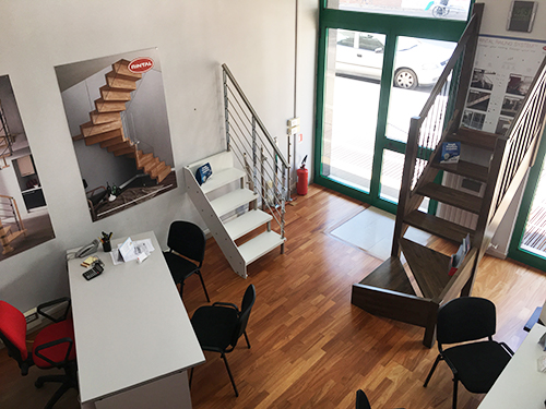 Scale per interni nello showroom di Foggia in viale Ofanto